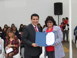Alcalde Carlos Vásquez se compromete a seguir gestionando infraestructura y tecnología educativa