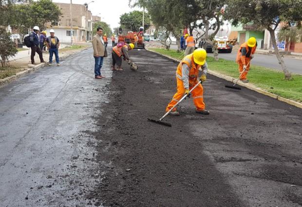 Municipalidad de Víctor Larco ejecuta recapeo de principales vías